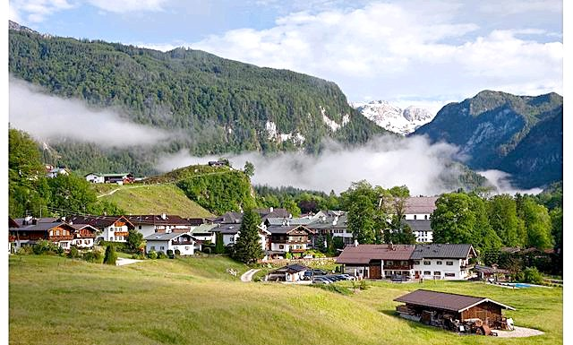 Konigsee очима еварушніци: Зупинилися ми в невеликому готелі Gastehaus Boehm в Шенау-ам-Кенігзеє, в п'яти хвилинах їзди від озера Кенізгее і містечка