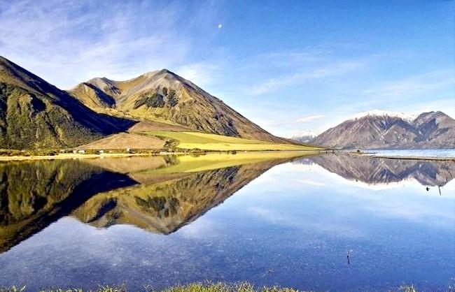 Краса Новій Зеландії: Озеро Колридж.