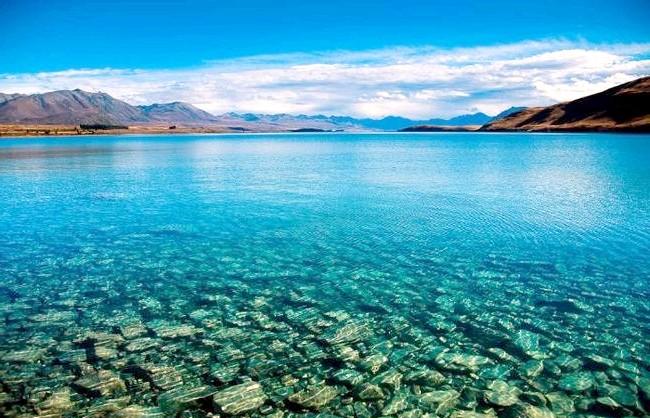 Краса Новій Зеландії: Вода настільки прозора, що здається несправжньою.