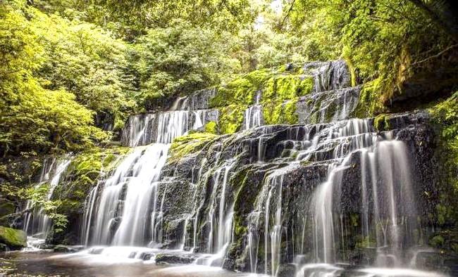Краса Новій Зеландії: Водоспад Перакауні.