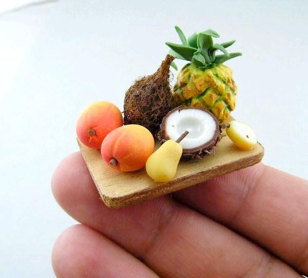 Крихітна їжа з глини:
