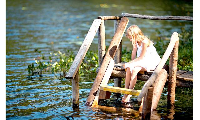 Літо середньої смуги: Взагалі Селігер - це система озер, їх десятки, великих і маленьких. Трояси, або Срібне озеро, знаходиться в 10 хвилинах ходьби