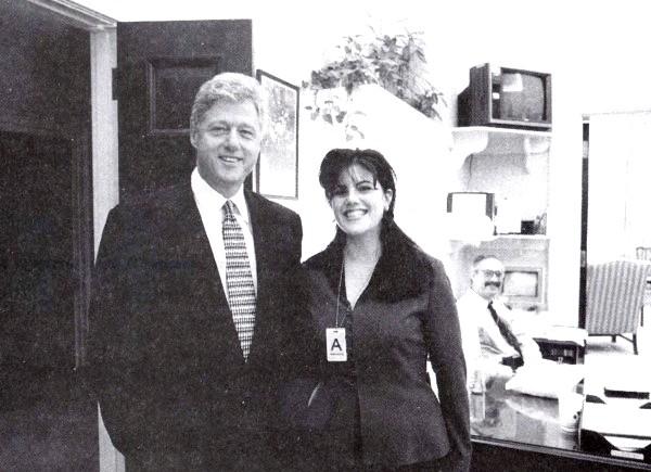 Левінські порушила мовчання: Екс-коханка президента США Білла Клінтона порушила десятирічне мовчання. Скандально відома Моніка Левінські написала статтю для журналу Vanity Fair, в якій