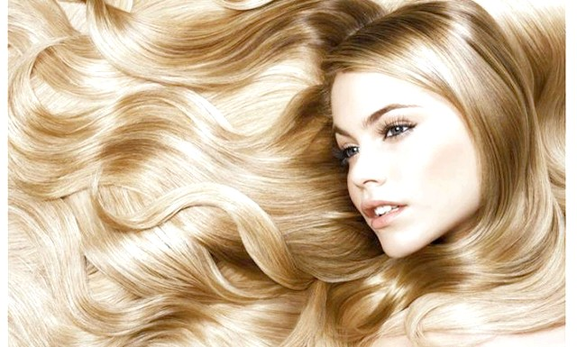 Медики дали поради, як зробити волосся гладкими: За словами фахівців, дуже важливо, щоб в такий сезон волосся отримували достатньо вологи, адже сухе повітря в приміщеннях губить їх.