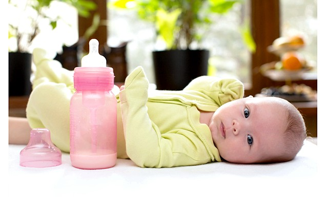 Міф про капусту і зберігання грудного молока: Зрозуміло, зовсім непогано відкачати молоковідсосом і зберегти про запас своє молоко, але в усьому потрібна міра. І ось ще на