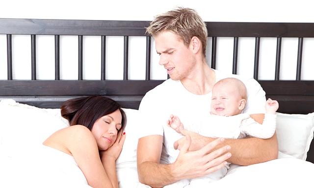 Молоді мами уникають близькості з чоловіком