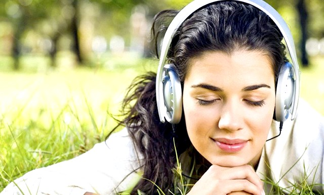 Музична аптечка: яку музику слухати при головному болю: Вплив музики на психіку людини обумовлено збігом або розбіжністю її ритму з внутрішніми ритмами людини, а також його власним енергетичним