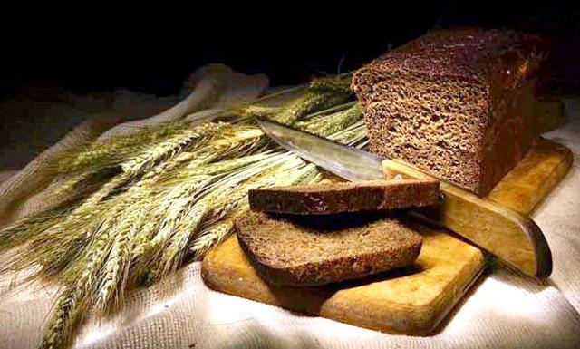 Не відмовляйтеся від хліба повністю: Виявляється, щоб не позбутися важливих для здоров'я речовин, потрібно не відмовлятися від хліба взагалі, а ввести в раціон тільки житній.