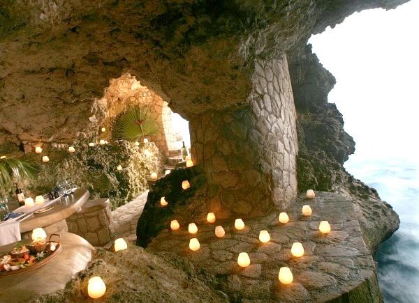Незвичайні карибські курорти: The Caves, ЯмайкаОтель The Caves в місті Негрил, серед постояльців якого числяться Наомі Кемпбелл і Харрісон