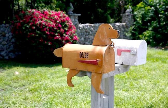 Незвичайні поштові скриньки в маленькому американському містечку: