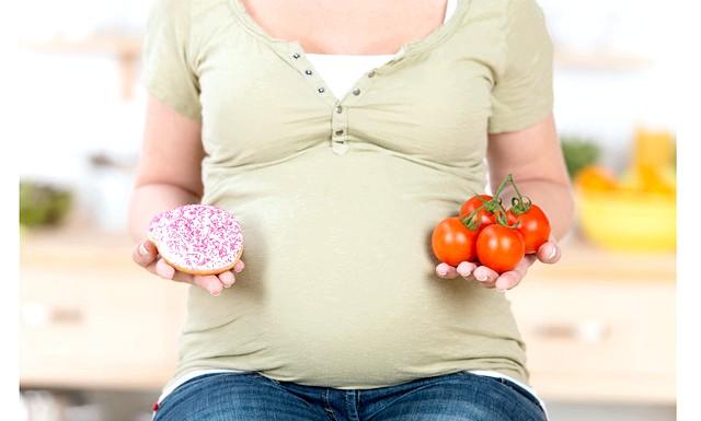 Неправильне харчування мами загрожує дитині ожирінням: Нещодавно стало відомо про дослідження, згідно з яким матері, що набирають великий зайву вагу під час вагітності, мають більш високий ризик отримати