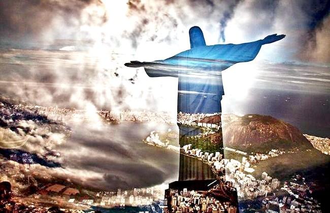 Нереальна реальність Ніколя Рюеля: Ріо-де-Жанейро. Рюель каже, що вибрав нержавіючу сталь як основу для своїх робіт не випадково. На його думку, саме