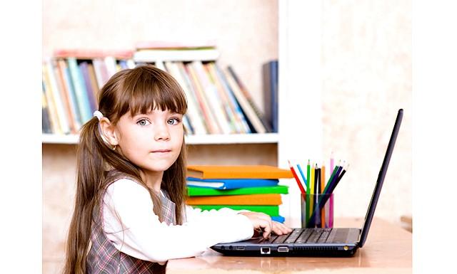 Ноутбуку дитина зрадіє більше, ніж в'язаний светр: І, хоча це слово не особливо милозвучно, з ним знайомі всі, хто звик розважатися в мережі, освоювати нові програми, спілкуватися