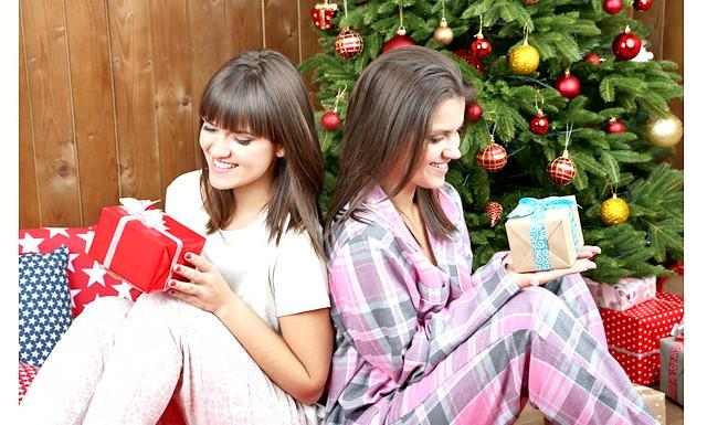 Новорічний подарунок друзям на рік кози: Новий 2015 - це час веселощів і подарунків. Якщо вірити в те, що все життя залежить від дитячих спогадів