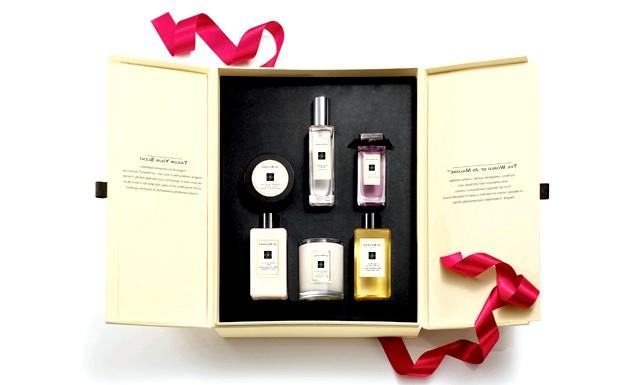 Новорічна Колекція - Jo Malone London: Чи відрізняється подарунок для жінки від подарунка для чоловіка? Незважаючи на те, що вибір подарунка для