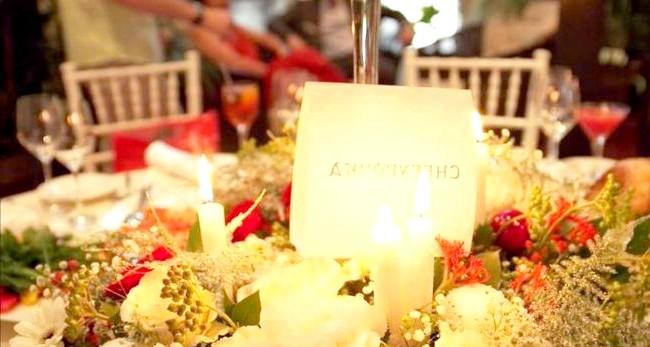 Новорічна казка на літній весіллі: Новорічна атмосфераСоздать атмосферу Нового року влітку - завдання не з легких, але ретельний підхід і увагу