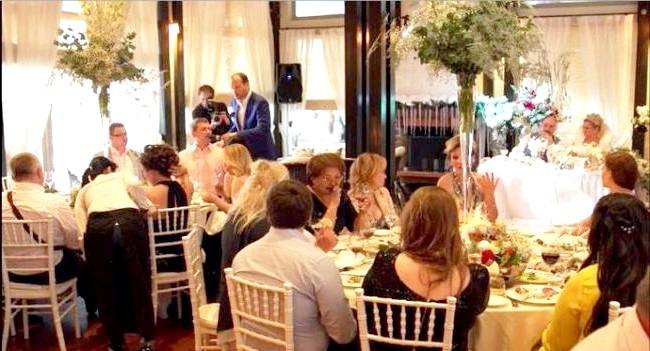 Новорічна казка на літній весіллі: Частування і развлеченіяГлавнимі частуваннями «новорічної» весілля Марини стали традиційний олів'є, не зовсім традиційна оселедець під шубою