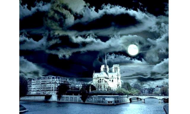 Новий рік в Парижі: врятувати світ від ордена тамплієрів: 1. Квести «Романтика Монмартра» і «Містичний Париж» Беручи участь в квестах ви зможете дізнатися про місто те, що