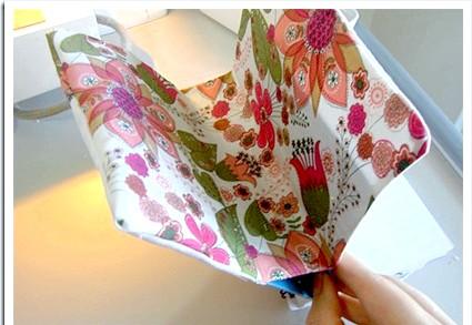 Обкладинка для блокнота (книги): Вивертаємо на лицьову сторону і гладимо праскою.