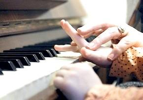 навчання дітей гри на фортепіано