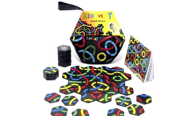 Огляд дитячих настільних ігор: 7. Просторове воображеніеTantrix Складається з 56 фішок із зображеними на них кольоровими лініями - це