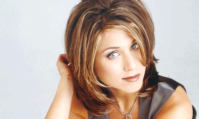 Опубліковано рейтинг найпопулярніших жіночих зачісок: Опитування серед 2000 мешканок Великобританії показав, що найпопулярнішою жіночою зачіскою, що зробила найбільший вплив на стиль інших представниць прекрасної статі,