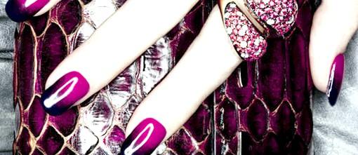 Осінні тенденції модних будинків: Губи У цьому сезоні вони можуть бути або непомітними, або дуже яскравими. Винні губи - писк осіннього макіяжу 2012.