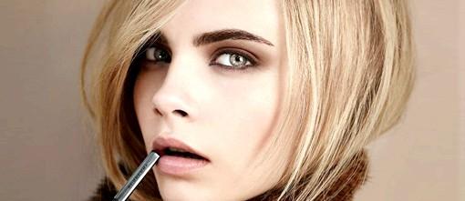 Осінні тенденції модних будинків: Burberry: британська строгостьОсенній макіяж 2012 від англійської марки виконаний в темній і строгій колірній гамі, що