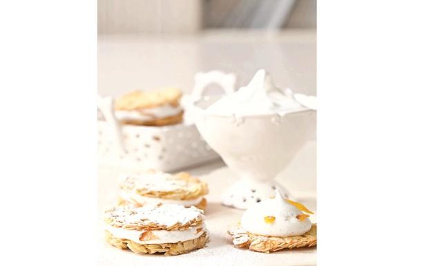 Особливий вечерю для двох від Jamie Magazine: Флорентінкі з апельсинами і меренгою (на 20-25 печива) • 4 ячних білка • 100 г