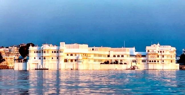 Озерний палац - розкішний готель з багатою історією: