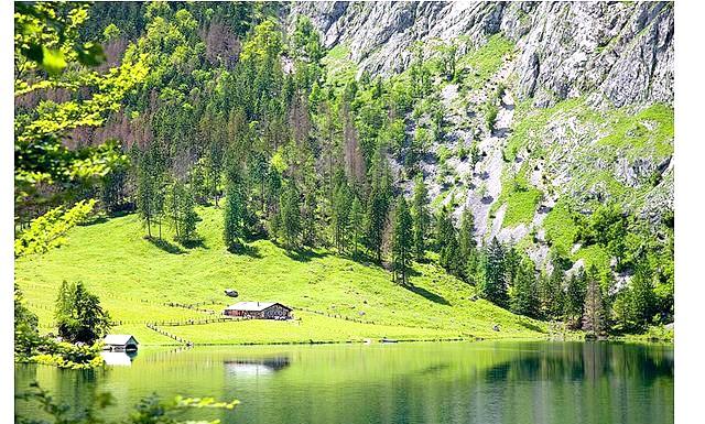 Озеро Obersee очима еварушніци: Якихось 15-20 хвилин і ми вже біля озера Оберзее. Та й погода кардинально помінялася на сонячну з купчастими хмарками.