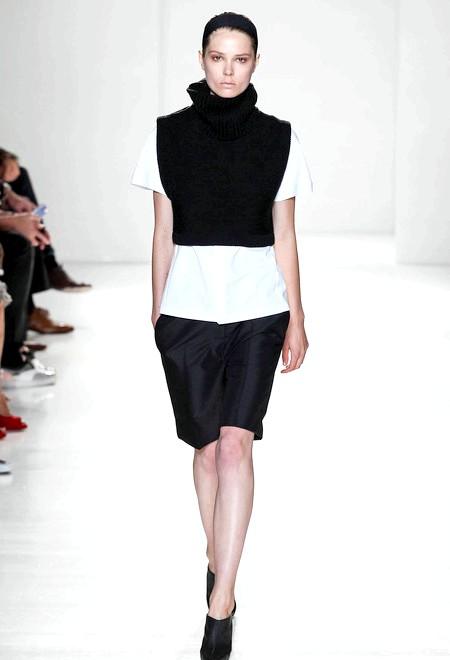 Сукні-мікс і квадратні жилети Victoria Beckham, весна 2014: