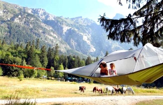 Підвісні намети, які дозволять вам спати в повітрі: Палатка була придумана Ширлі-Смітом в 2010 році, а перша серійна модель була запущена на початку 2013 року.