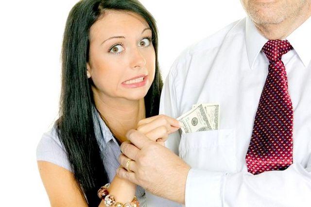 Обмеження в грошових коштах - причина подачі заяви на аліменти