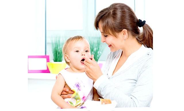 Прикорм і його відсутність не повинні провокувати захворювання: Для чого потрібен прикорм? По-перше, це спосіб перевести дитину з рідкої їжі до харчування з дорослого