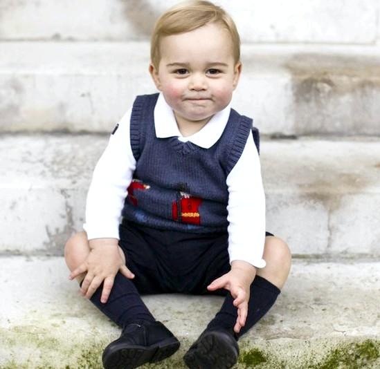 Принц Джордж Різдвяні фотографії: Фотографії були зроблені особистим секретарем принца Гаррі.