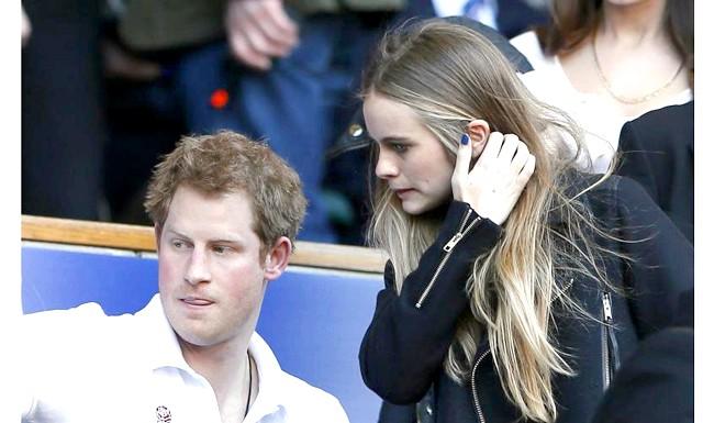 Принц Гаррі офіційно представив світу свою кохану: Так, принц Гаррі з'явився з Бонас в п'ятницю на благодійному концерті на користь організації We Day UK на стадіоні Уемблі,
