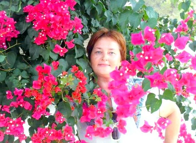 Нехай тобі насниться Пальма де Майорка: Обожнюю всякого роду лютікі- квіточки. Бугенвиллия.