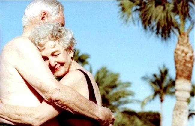 Радісні моменти прийнято згадувати сьогодні: І постаріти з тим, хто дійсно доріг