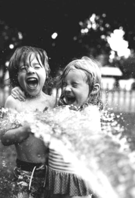 Радісні моменти прийнято згадувати сьогодні: Коли у тебе є брат або сестра