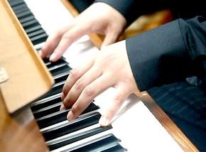 розучування музичний творів на фортепіано