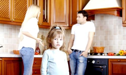 Неповнолітні діти при розлученні батьків
