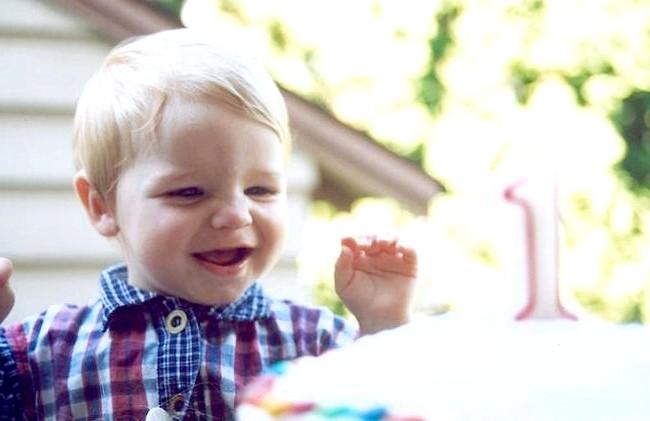 Дитині рік, як відсвяткувати подію всією сім'єю? : Щоб пам'ять про день народження залишилася у вас надовго, мало зняти фотографії та відеофільм про цей день. Ви можете всій