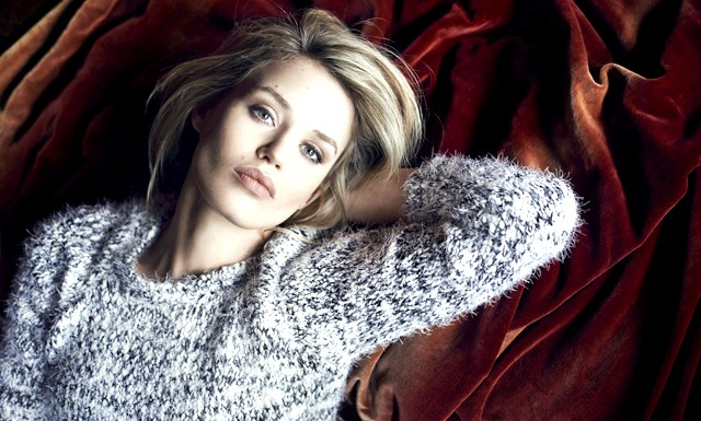 RESERVED провів зйомки лукбука Осінь-Зима 2014/2015: Офіційним особою жіночої лінії виступила Джорджія Мей Джаггер - топ-модель і дочка соліста The Rolling Stones Міка Джаггера. Джорджія, яка втілює