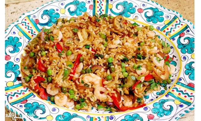 Різотто з кропивою: [url=http://edimdoma.ru/retsepty/60723-zharenyy-kitayskiy-ris-s-krevetkami-i-sladkim-pertsem]Китайский рис з креветками. Ідея вечері від Юлії Висоцької [/ url]