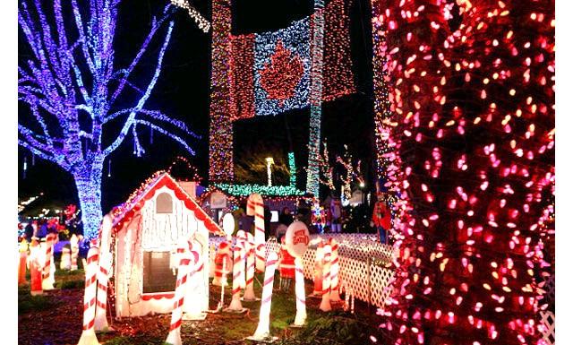 Різдвяні вулиці США: Святковий слід вогнів ЛуізіаниЗачем обмежувати свої відвідини одним містом, коли Ви можете відвідати відразу п'ять. Група