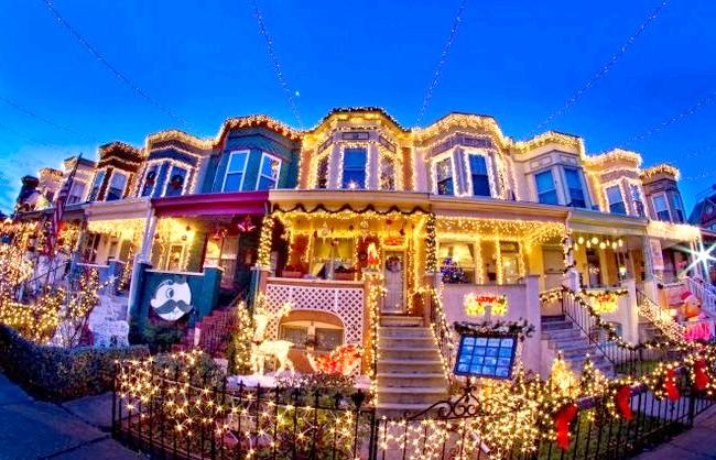 Різдвяні вулиці США: 34-я вулиця, Балтімор, МерілендЕслі Ви знаходитесь в Балтіморі, то повинні подивитися на вогні в Хампдене, Меріленд.