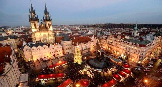 Різдво і Новий рік у різних країнах світу: Чехія. Різдвяний ярмарок в центрі Праги.