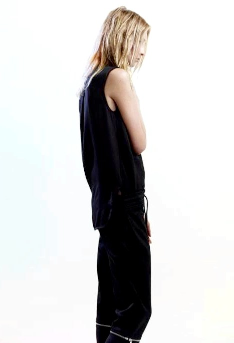 Рожеве золото. McQ by Alexander McQueen. Весна 2015: