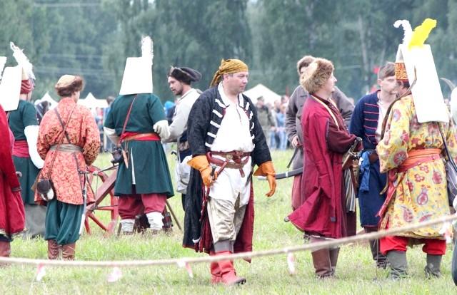 Росіяни перемогли в Молодінская Битві: Всі учасники історичного фестивалю-реконструкції красиво одягнені.